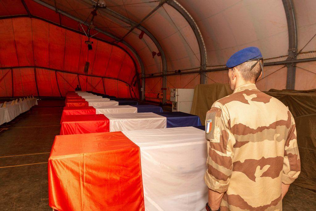 داعش يعلن عن تسببه في تصادم المروحيتين الفرنسيتين بمالي
