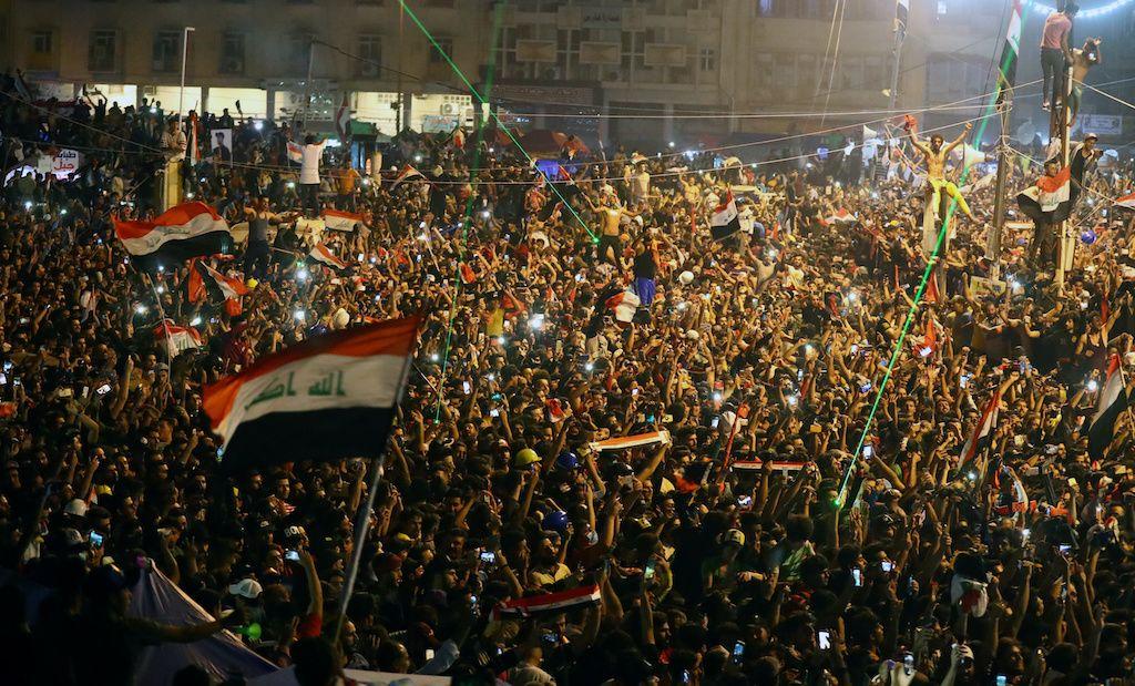 جرحى بإطلاق نار في العاصمة العراقية بغداد مع استمرار الاحتجاجات