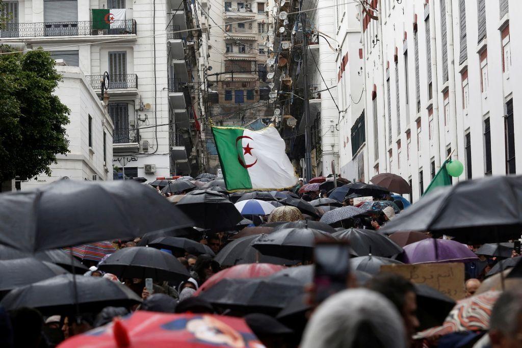 حراك طلابي ضد انتخابات الرئاسة في الجزائر