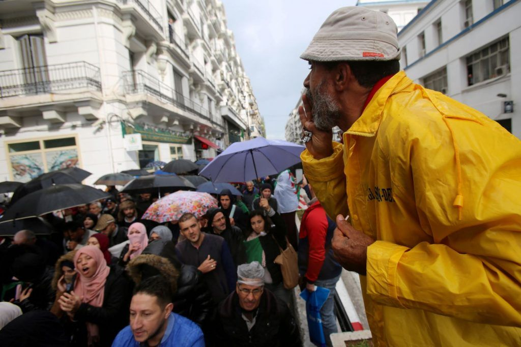 2019-11-19T144744Z_1837817633_RC2EED96YJH7_RTRMADP_3_ALGERIA-PROTESTS