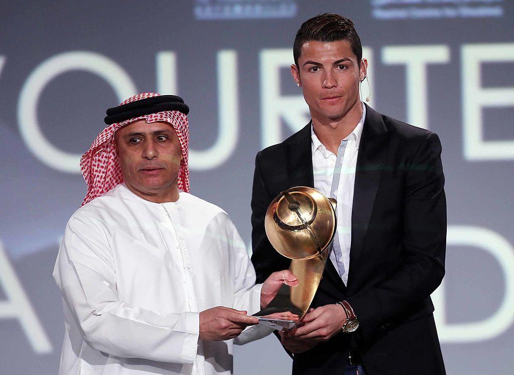 """كريستيانو رونالدو يحصل على """"الإقامة الذهبية"""" في الإمارات"""