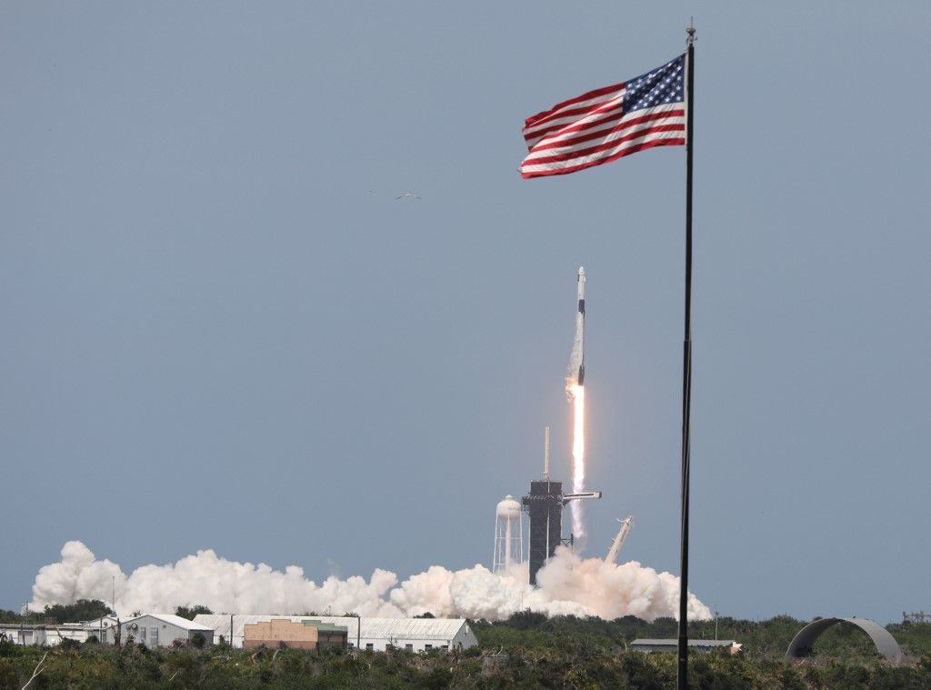 A SpaceX Falcon 9 rocket carrying the Crew Dragon spacecraf...</p>                     </div>                     <div class=