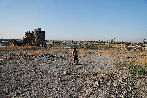 داعش يواجه تجفيف منابعه بكسب 100 ألف دولار يوميًا من التهريب بين العراق وسوريا