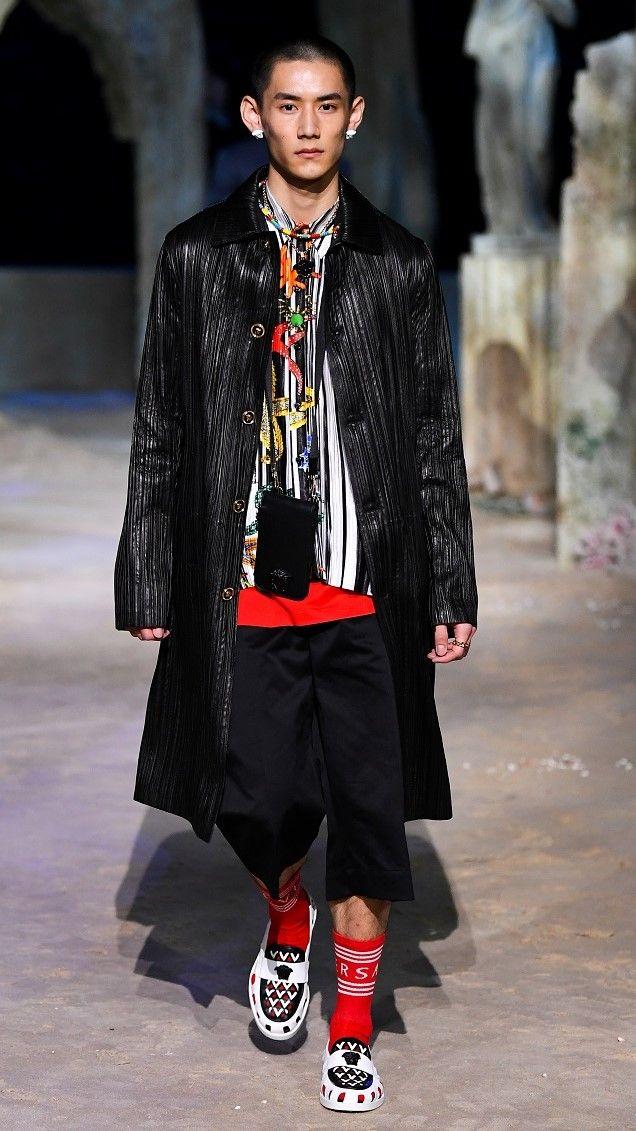 أسبوع الموضة في ميلانو يجسد قصة الأزمة العالمية ويتفاءل بالغد