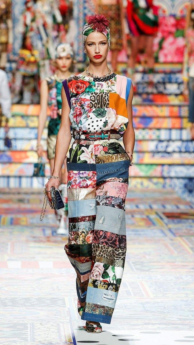 مجموعة Gabbana لربيع وصيف 2021 النسائية خلال أسبوع الموضة في ميلانو ، إيطاليا/رويترز