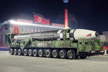 صور جديدة لصواريخ بيونغ يانغ العابرة للقارات.. إليكم بعضاً من ميزاتها