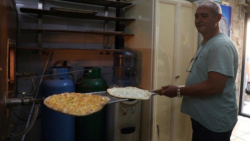 """بعد أن دمره انفجار بيروت.. حملة على الإنترنت تنقذ مخبزاً يشتهر بفطيرة """"المنقوشة"""""""