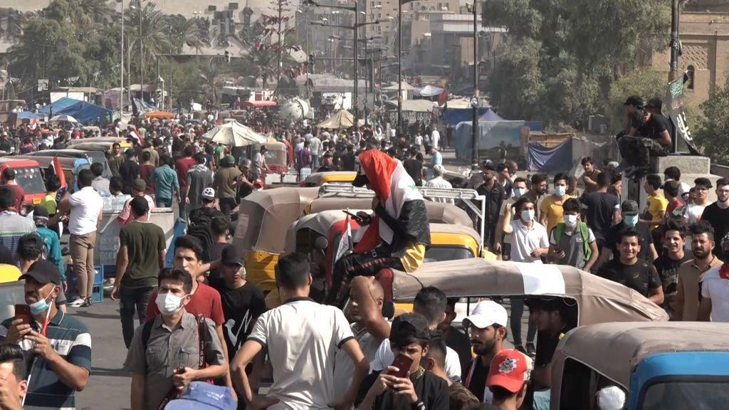 احتجاجات العراق: متظاهرون يجتمعون في الذكرى الأولى للحراك العراقي