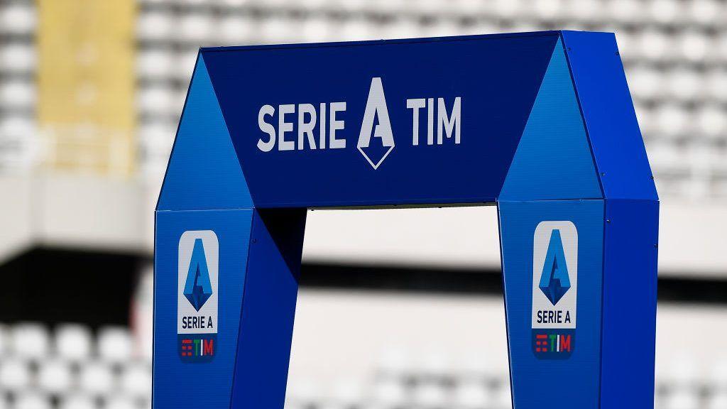 موجة كورونا الجديدة تدمر مخططات عودة الجمهور في إيطاليا وتهدد مستقبل الكالتشيو