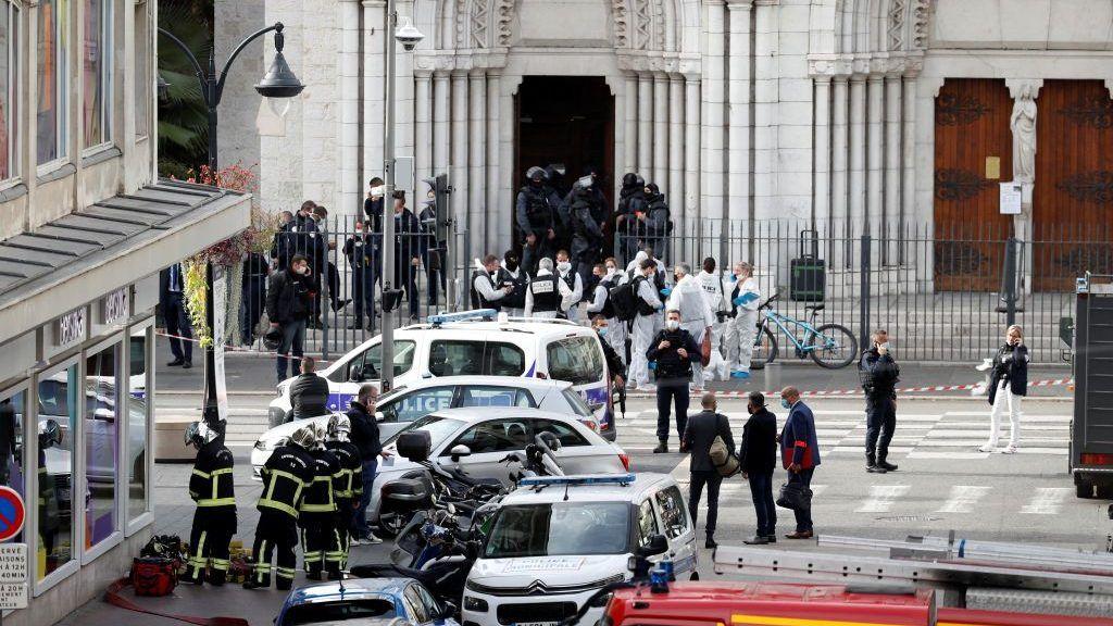 هجوم نيس.. الشرطة الفرنسية تؤكد مقتل 3 أشخاص وجرح آخرين  | التفاصيل ضمن مطبخ أخبار الظهيرة 29-10