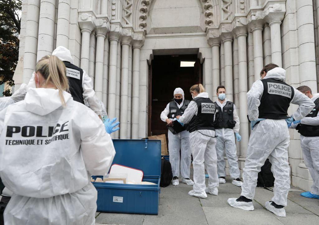 """فرنسا ترفع درجة التأهب الأمني إلى """"طوارئ"""" بعد هجوم نيس"""