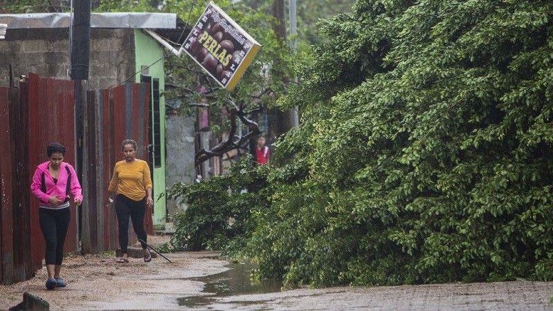 الإعصار إيتا الشديد الخطورة يصل إلى نيكاراغوا