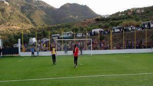 القبائليات في قرى الأمازيغ في الجزائر يتبارين في كرة القدم ونساء ساحل يفزن بركلات الترجيح