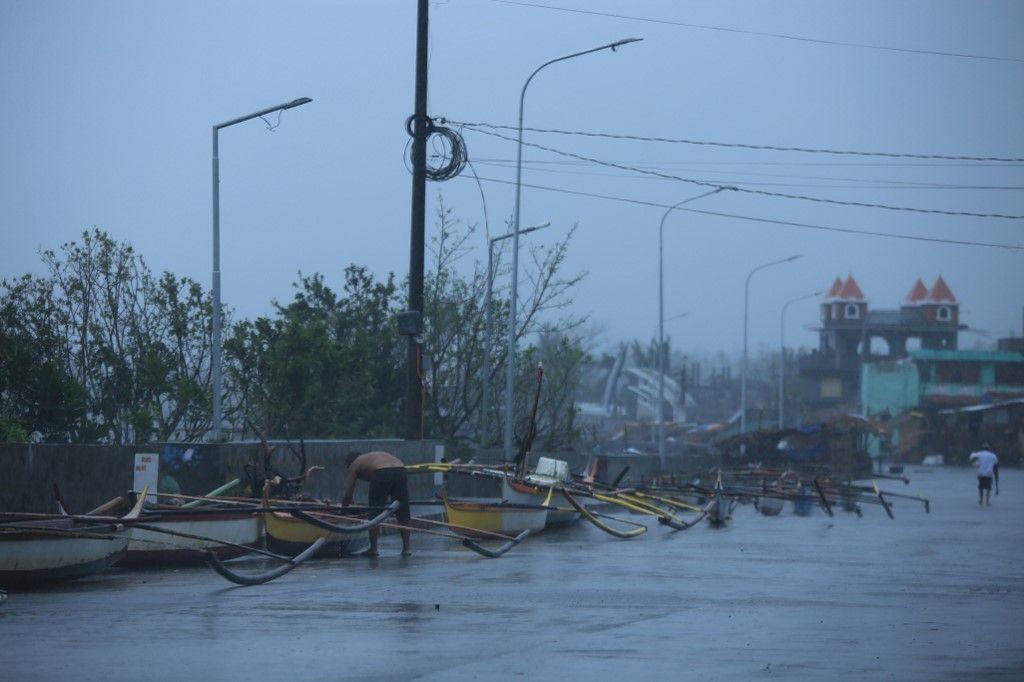 إعصار غوني.. 50 ألف يفرون من منازلهم بينما يهدد إعصار آخر الفلبين