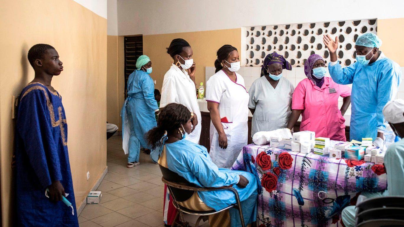 """قادم من البحر .. مرض """"غريب"""" يظهر في السنغال (صور)"""