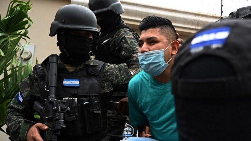 أمريكا الوسطى.. اعتقال أكثر من 600 مشتبه بانتمائهم إلى عصابات