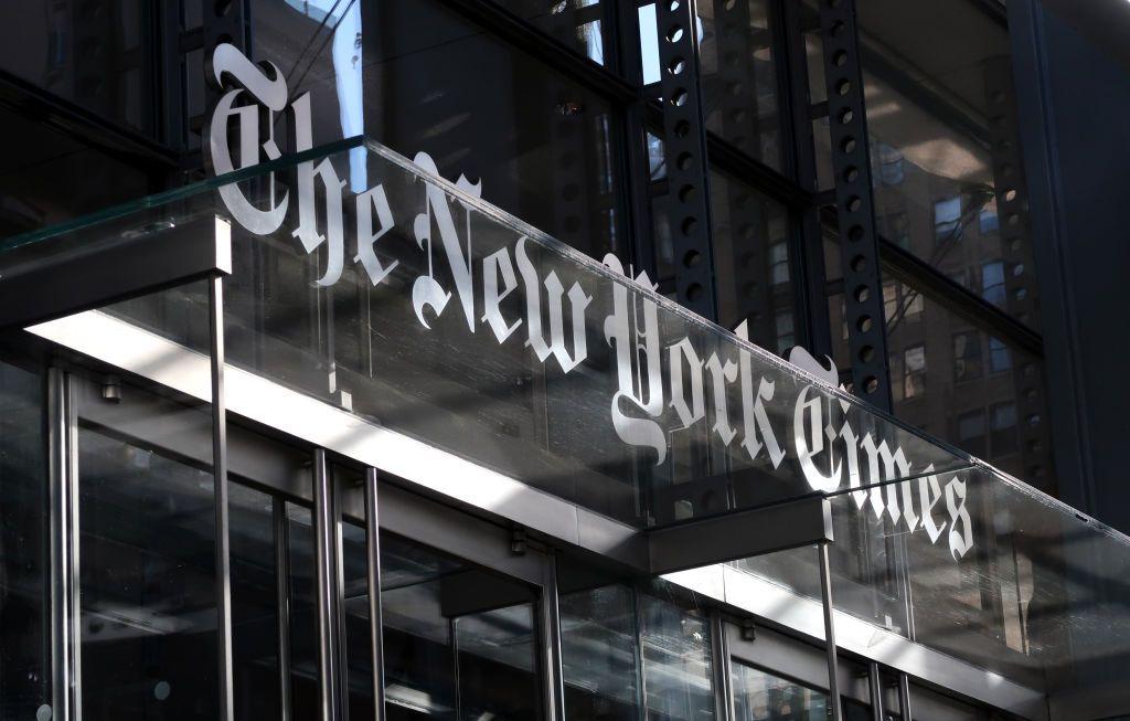 """بعد مغالطات وأكاذيب.. """"نيويورك تايمز"""" تتراجع عن بودكاست """"الخلافة"""""""