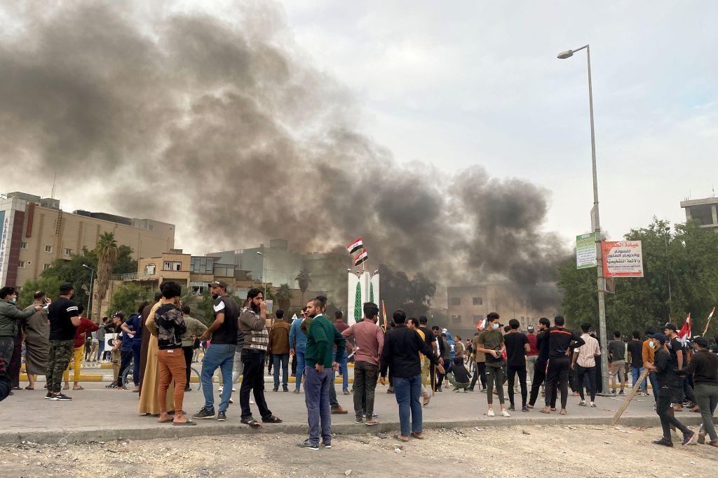 آلاف المحتجين في مدينة الناصرية العراقية بعد ارتفاع حصيلة قتلى صدامات الأسبوع الماضي