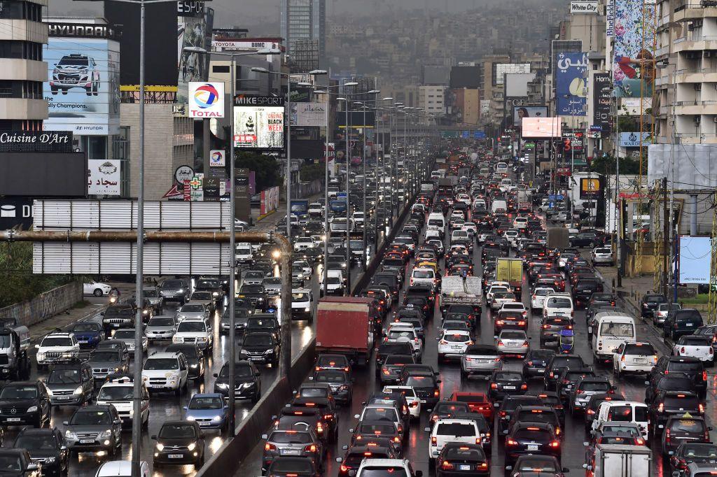 """مسؤول لبناني لـ""""أخبار الآن"""": أكثر من مليون إصابة بـ""""كورونا"""" في لبنان والبلاد أمام مرحلة خطيرة"""