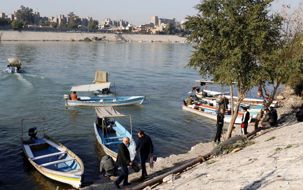 عبّارات في بغداد على دجلة للهروب من الاختناقات المرورية على الجسور