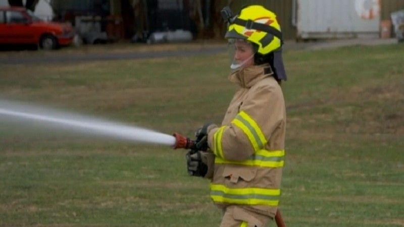 أستراليا.. خدمة الإطفاء تسعى لجذب المزيد من الإناث للعمل في الإطفاء