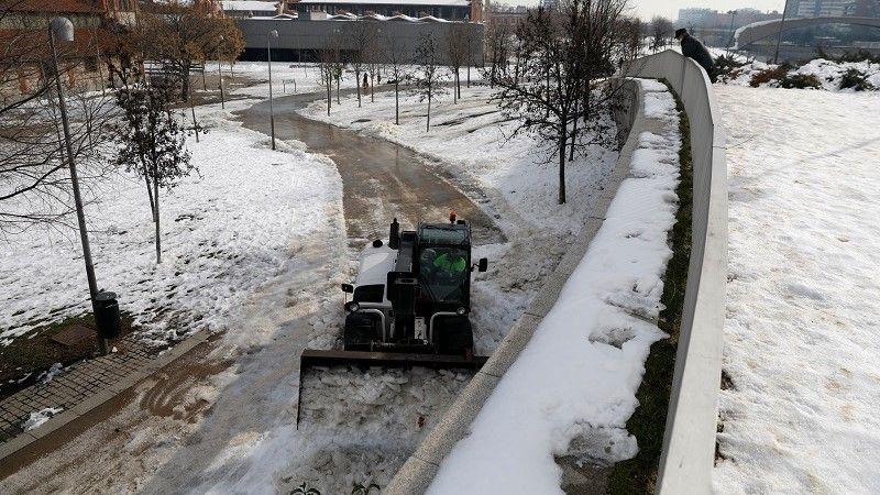 الثلوج تغطي أجزاء واسعة من أوروبا
