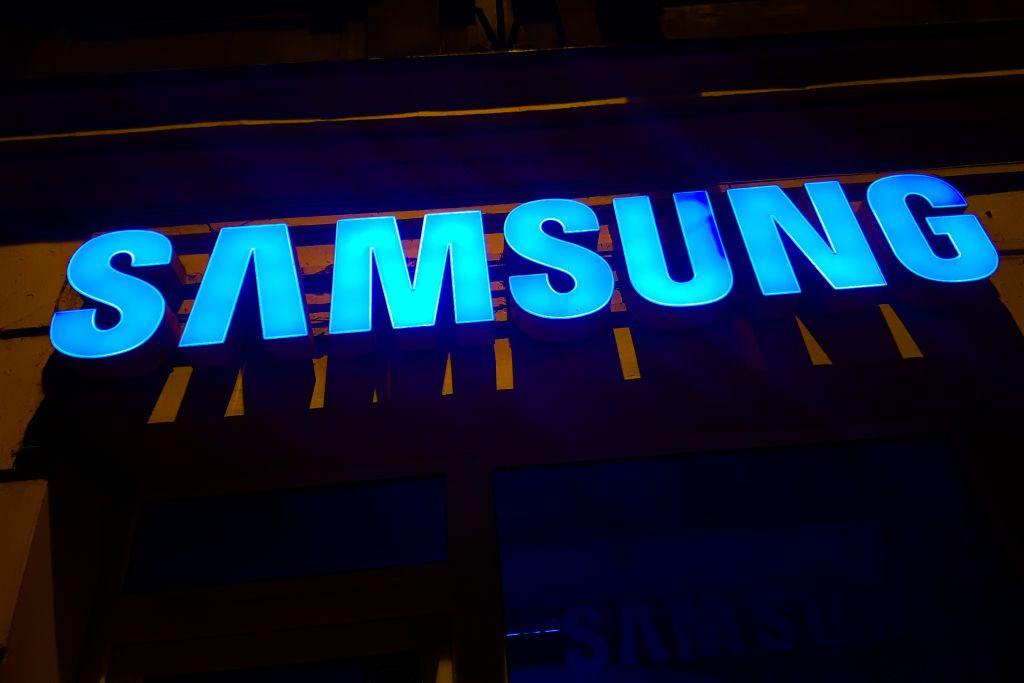 """سامسونغ تكشف عن هاتفها الجديد """"Galaxy A32"""""""