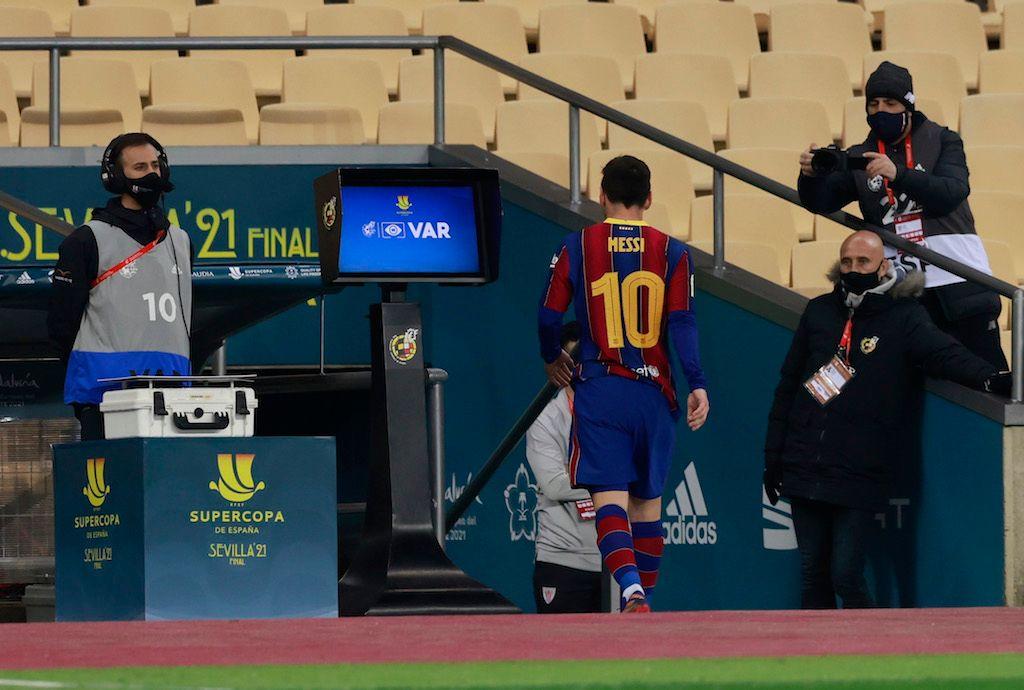 ميسي يحدد شروطه للبقاء في صفوف برشلونة