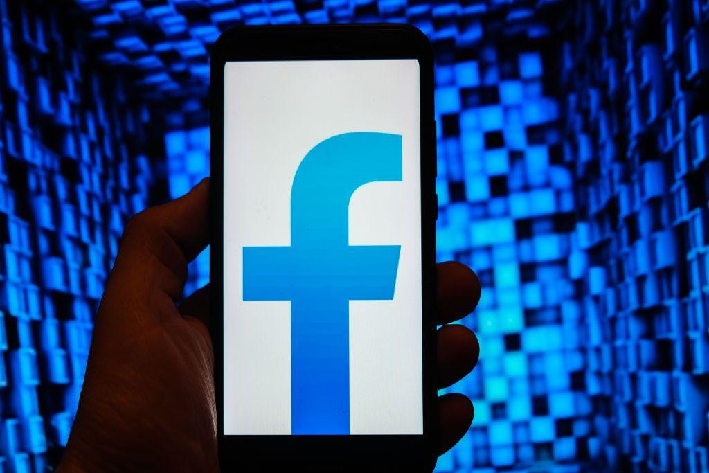 مشكلة تقنية تضربُ فيسبوك.. والشركة تعتذر