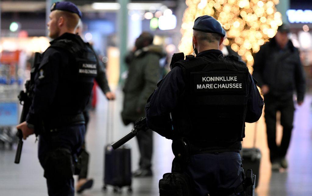 مواجهات مع الشرطة وأعمال نهب خلال تظاهرات ضد حظر التجول في هولندا