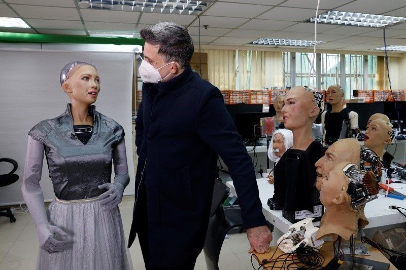 """هونغ كونغ.. مبتكرو """"صوفيا"""" يخططون لإنشاء جيش من الروبوتات في عام 2021"""
