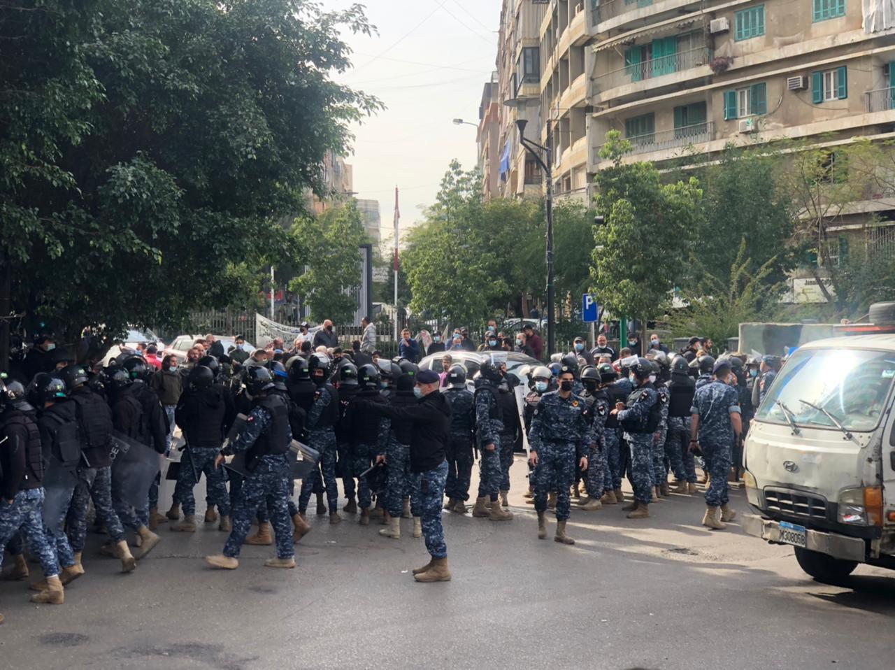 تجدد الاحتجاجات في لبنان وسط تردي الأوضاع الاقتصادية