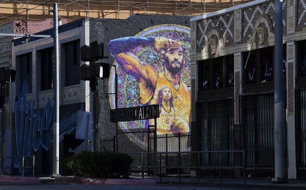 عام على رحيل كوبي براينت.. الذكرى حاضرة في القلوب وعلى جدران لوس انجلوس