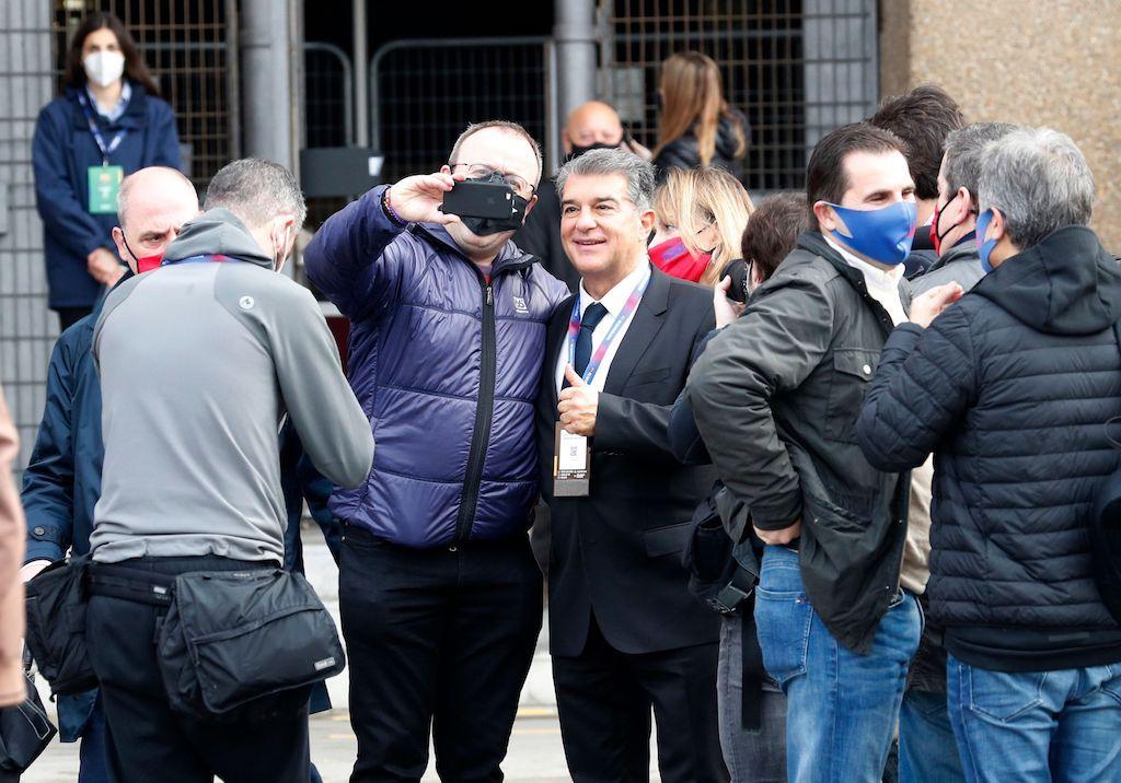 انتخابات برشلونة.. ميسي يدلي بصوته لاختيار الرئيس الجديد