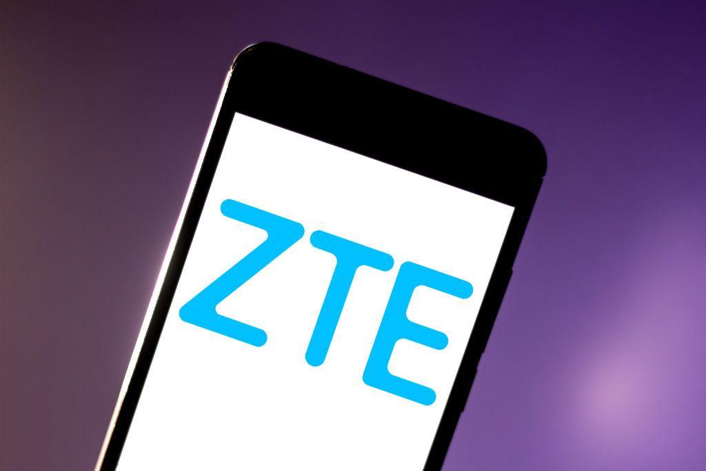 "هاتف جديد من ""ZTE"".. إليكم مواصفات ""S30 Pro"""