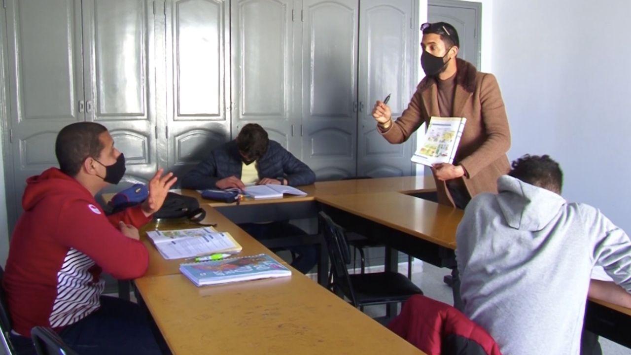معز السعيدي أستاذ لغة فرنسية