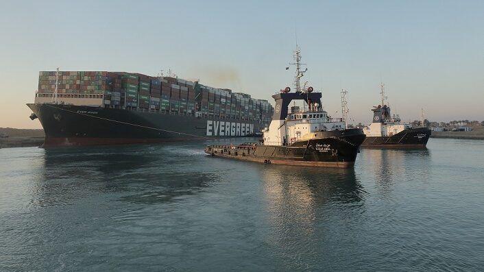 هيئة قناة السويس تتحفظ على سفينة إيفر غيفن وتطلب 900 مليون دولار كتعويض