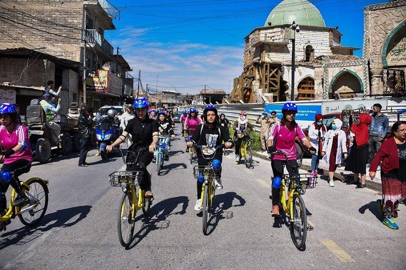 رسالة انتصار.. نساء الموصل يكسرن القيود عبر ماراثون لركوب الدراجات