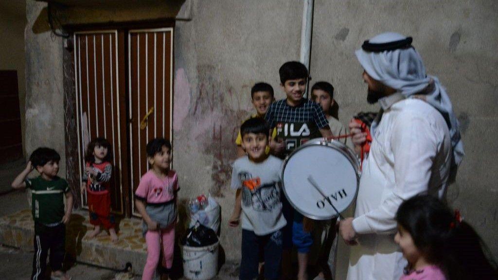 مسحراتي الموصل يقاوم الصعاب ليحافظ على الموروث الشعبي