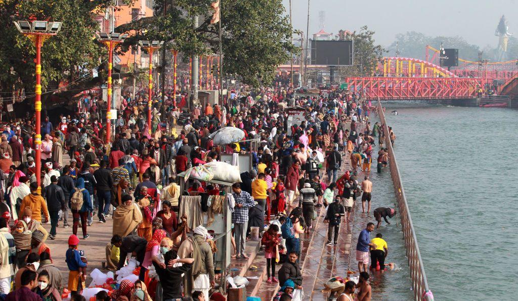 """كيف ساهم مهرجان """"كومبه ميلا"""" بنشر فيروس كورونا في الهند؟"""