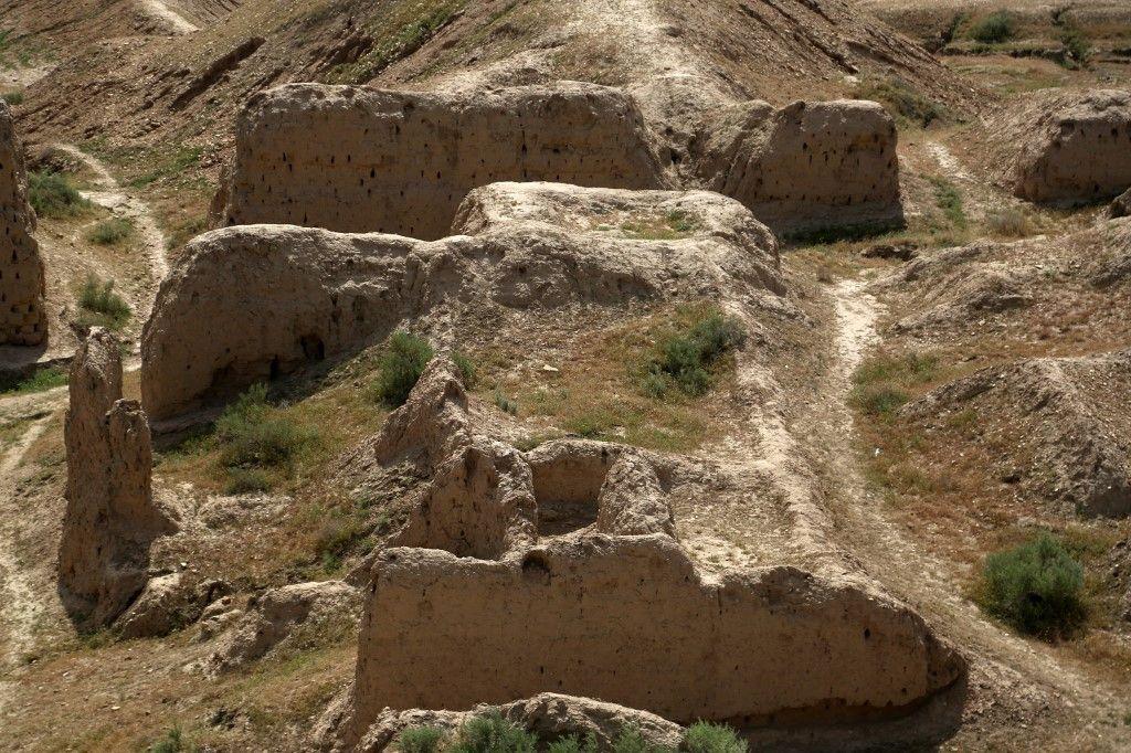 آثار العراق.. تاريخ يدفن تحت رمال الصحراء