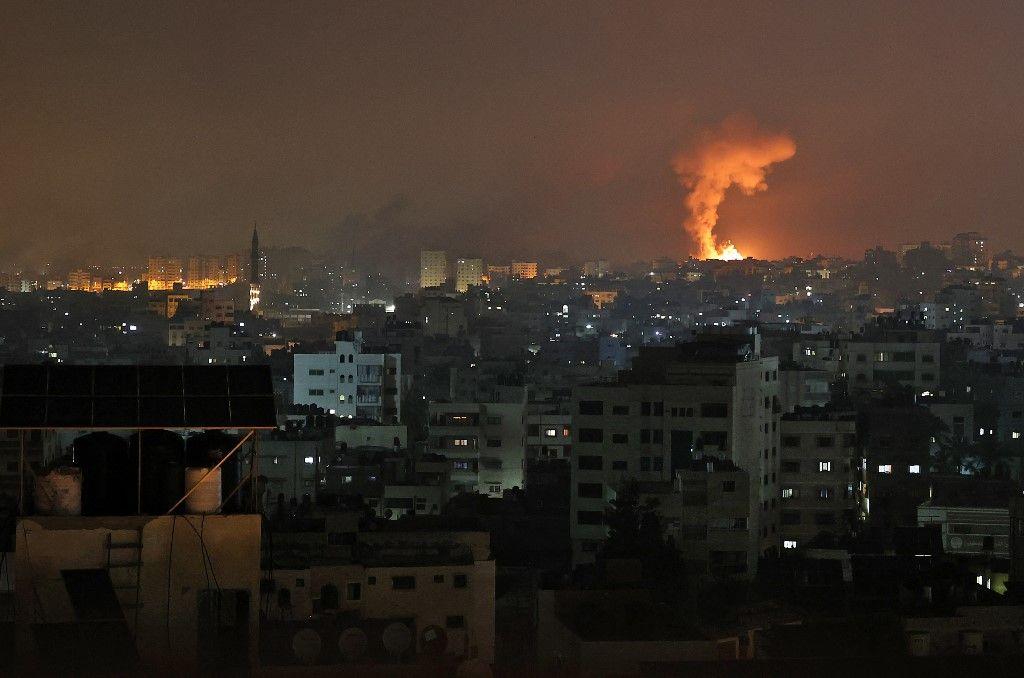 بالصور.. معركة جوية بين القبة الحديدية الإسرائيلية وصواريخ حماس