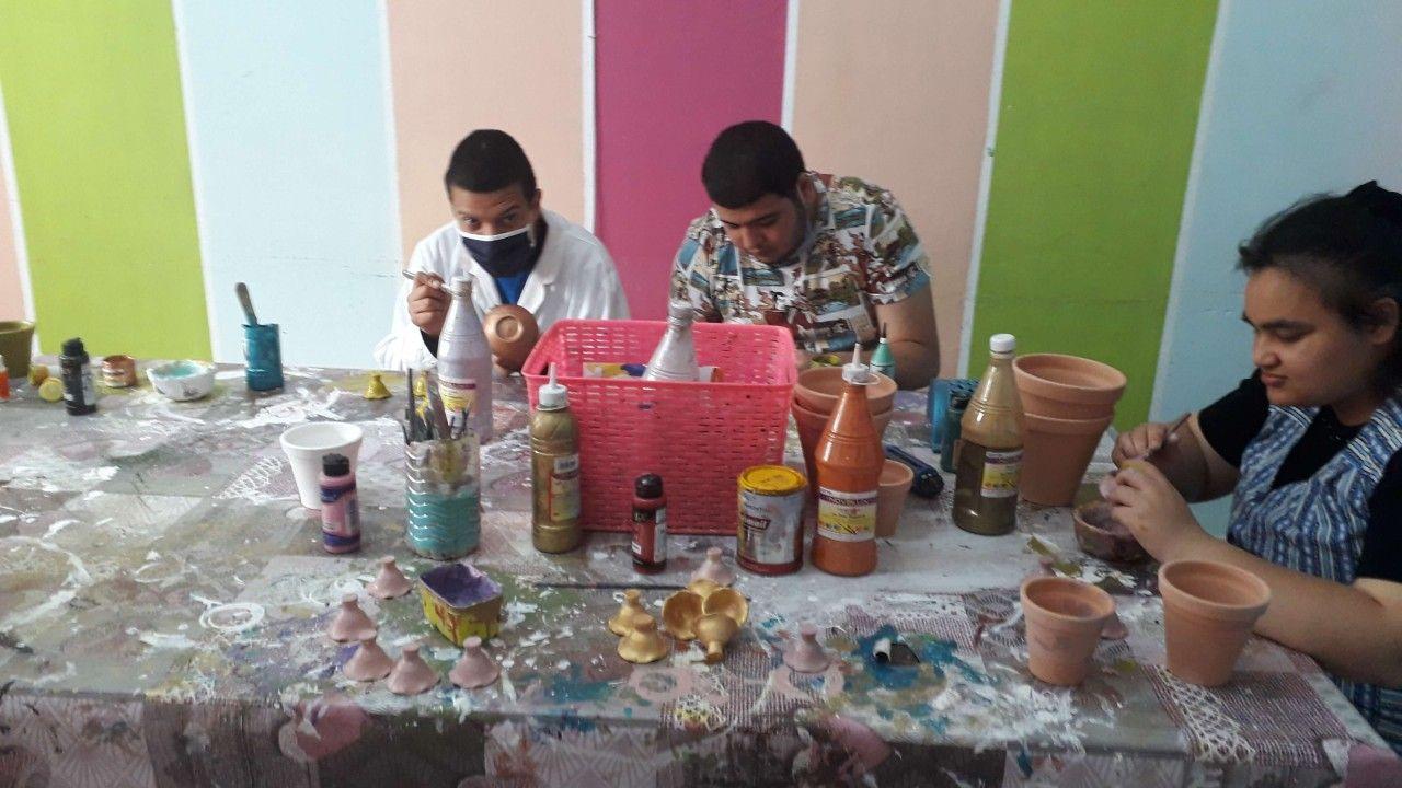 16 طفلًا من طيف التوحد يعرضون إبداعاتهم في معرض نابل الدولي بتونس