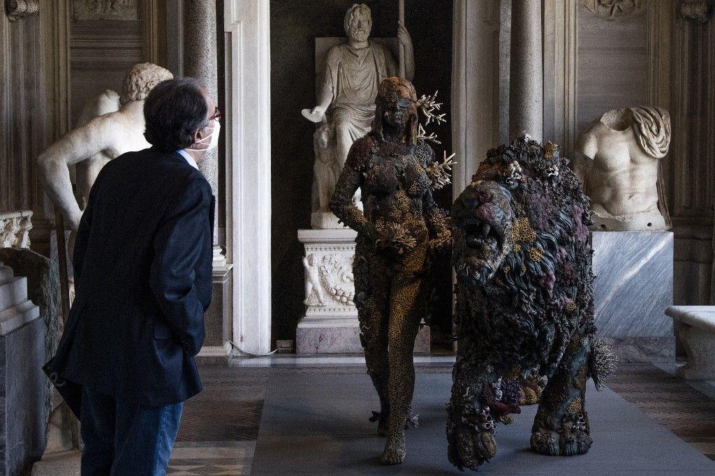أعمال الفنان داميان هيرست في روما