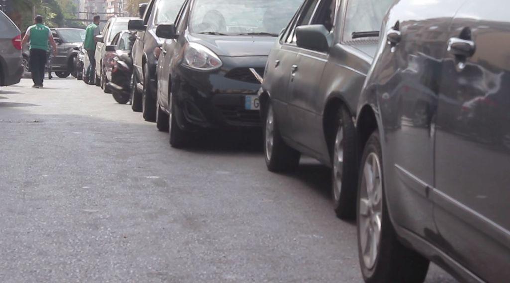 """""""أتمنى أن يكون ما نعيشه هو الأسوأ"""".. صرخة شاب لبناني في أحد طوابير الوقود"""
