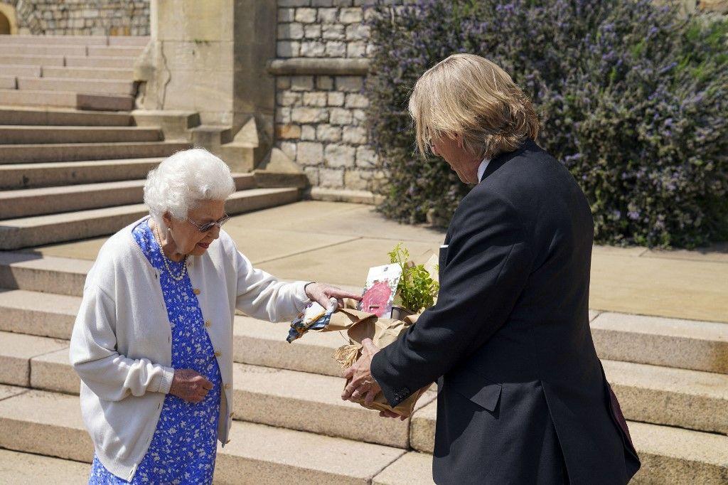 بعد وفاته.. هكذا احتفلت الملكة إليزابيث بعيد ميلاد زوجها الراحل الأمير فيليب