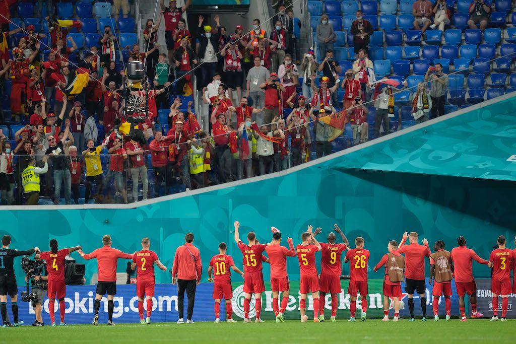 بلجيكا تنذر المنافسين بثلاثية في شباك روسيا