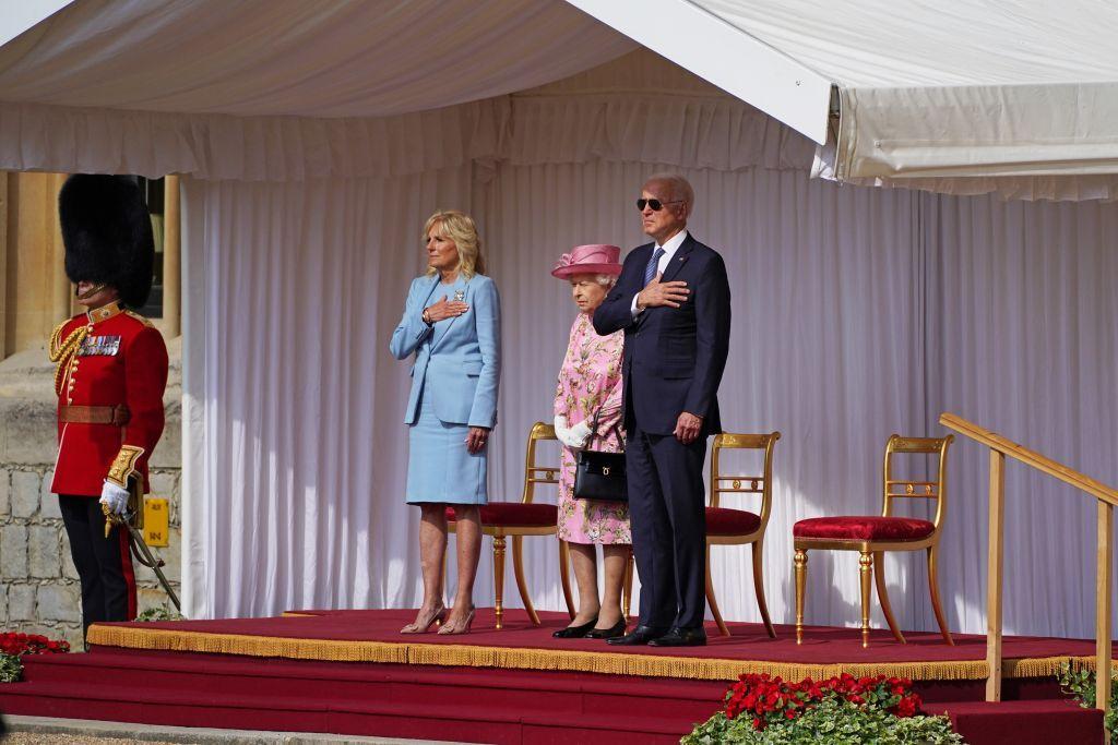 الملكة إليزابيث تلتقي بايدن في قصر وندسور