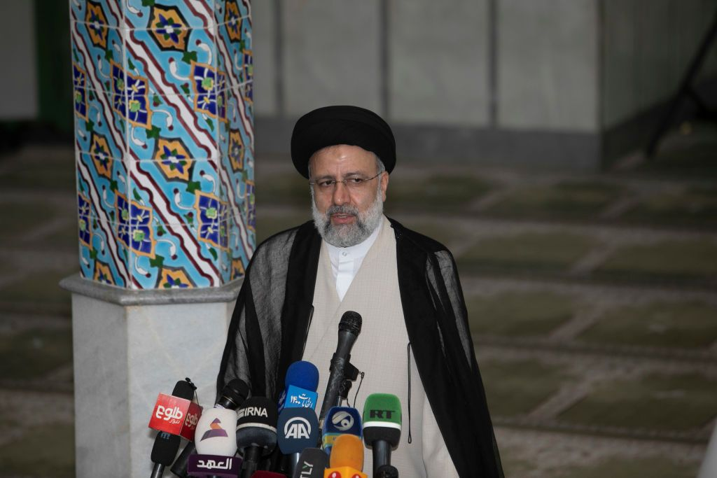 الرئيس الإيراني الجديد.. من هو إبراهيم رئيسي؟