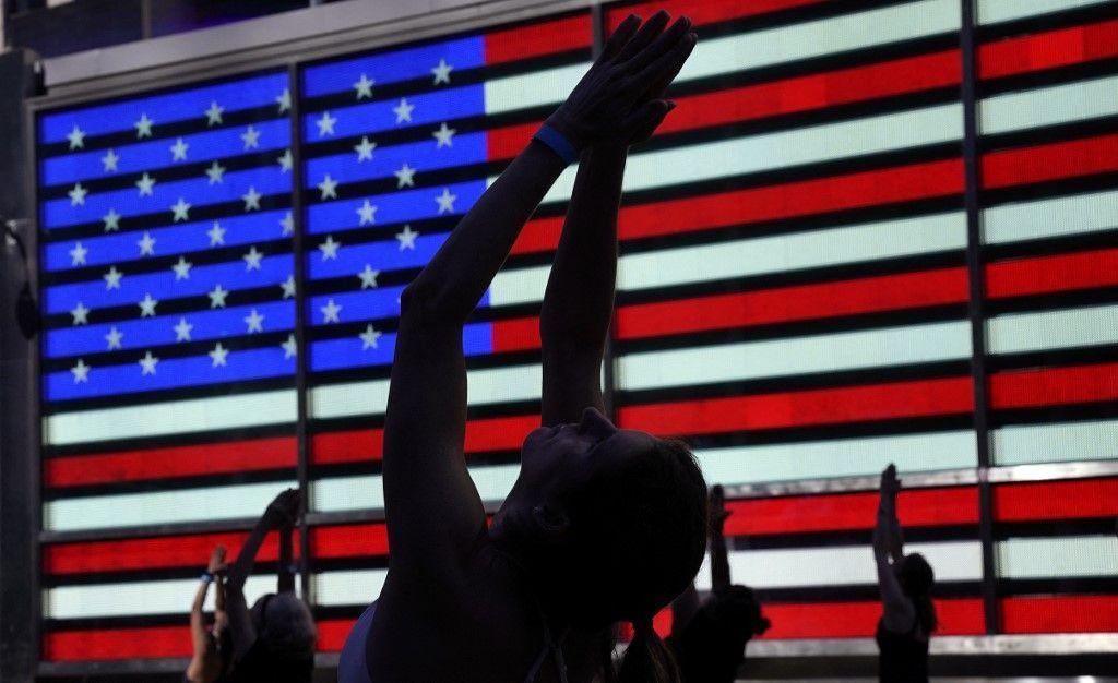 العالم يحتفل باليوم العالمي لليوغا.. تعرفوا على هذه الفعالية العالمية